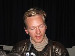 Julian Assange (2)