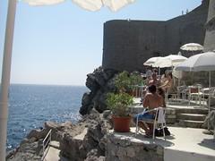 アドリア海に面したカフェ