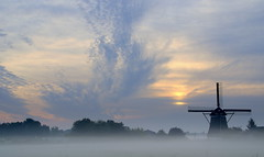 Brewing (Harry Mijland) Tags: mist holland mill clouds bravo utrecht nederland wolken molen maarssen oudzuilen molenaar dearharry abigfave diamondclassphotographer harrymijland