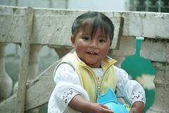 Girl in Peguche, klik om naar de Ecuador foto's te gaan