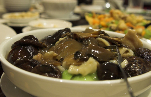Fish Maw and Chinese Mushrooms on seasonal Vegetables