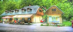 koca pri savici (PITCAVE) Tags: park mountain berg slovenia montaa hdr dolina eslovenia pri triglav bohin narodni planika koca savici triglavski savika
