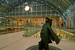 St Pancras (Riggzy) Tags: travel london station statue time trainstation stpancras sigma1224mm