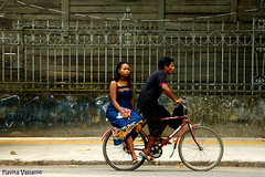Blue ride (flavita.valsani) Tags: blue red woman man black green bike yellow brasil couple gray bluewall everydaylife par belm bluedress valsani firstdaybelm
