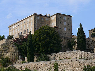 chateau Lauris.jpg