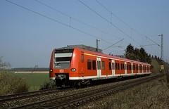 425 110  bei Ulm  01.04.02 (w. + h. brutzer) Tags: ulm eisenbahn eisenbahnen train trains deutschland germany railway triebwagen triebzug triebzüge 425 db webru analog nikon zug