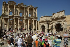 Busiest day (pheony1) Tags: turkey library trkiye ephesus seluk efes libraryofcelsus