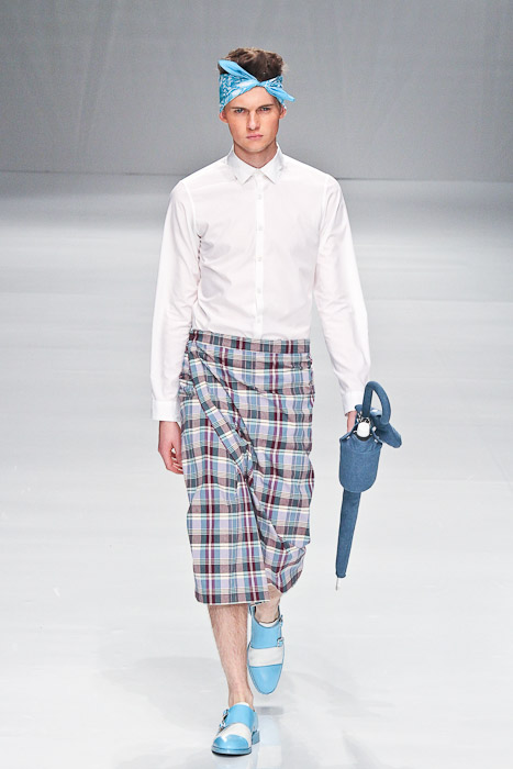Matteo Haitzmann3059_SS11_Tokyo_PHENOMENON(Fashionsnap)