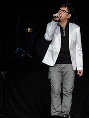 DSC01430 (JasperYue) Tags: music concert mr taichi 2011 alantam 譚詠麟 joeltang 太極樂隊