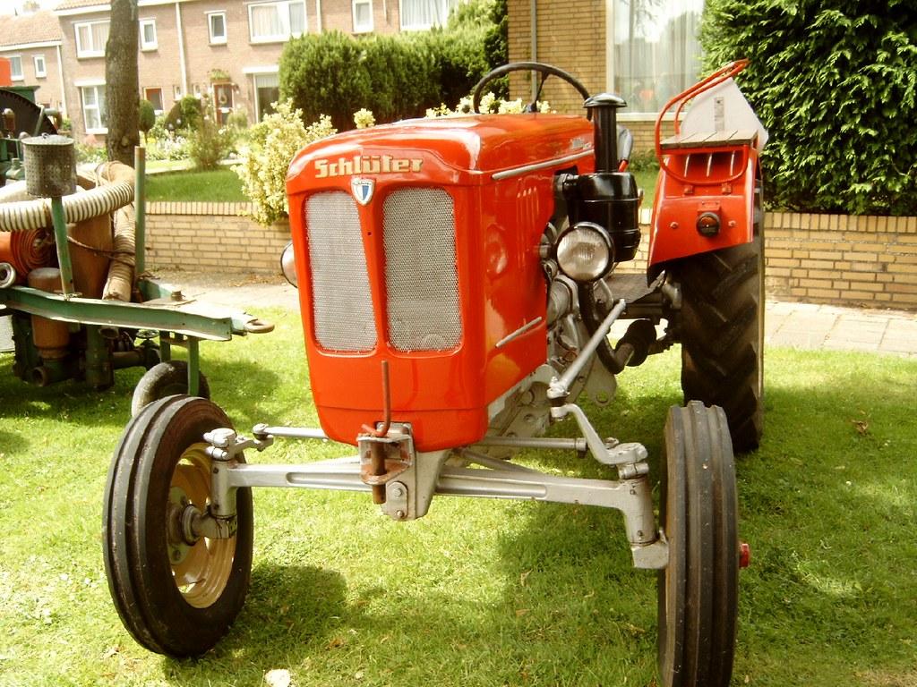 Schlüter tractor