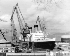 Queen Elizabeth 1965 (edowds) Tags: scotland riverclyde greenock ship crane shipyard drydock cunard 1965 queenelizabeth cruiseliner clydebank johnbrown inverclyde inchgreen