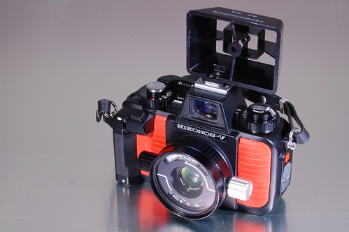 Nikonos V - 35mm Nikkor Sports viewfinder