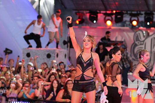 Miley-Cyrus-MMVA-3
