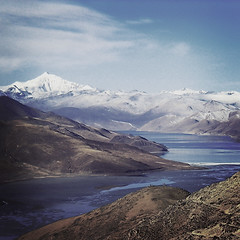 mountains of T I B E T (mojodale) Tags: mountains clouds tibet bluelake snowcappedmountains the4elements anawesomeshot goldenphotographer rockyoutcrops excellentscenic cooldays barrenplains