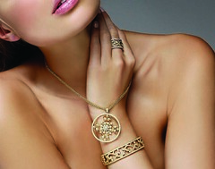 Leslie_Greene_Necklace (diamond_girl_77) Tags: fashionmodel pinklips goldring goldjewelry goldnecklace goldbracelet gtaggroup blondmodel filigreejewelry trendyjewelry