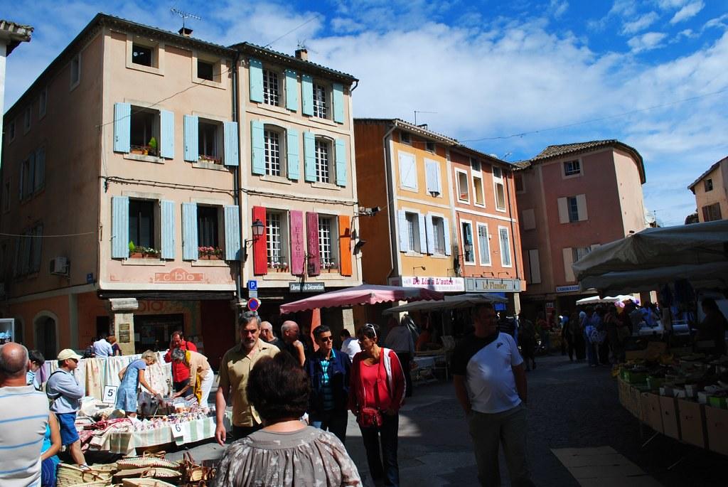 isle-sur-la-sorgue market