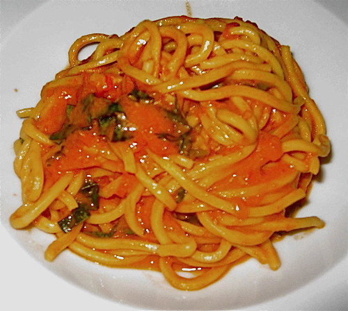 Pasta with Basil and Tomato