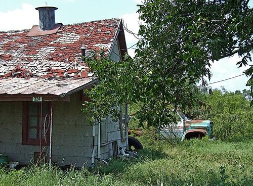 コージーの家と中古車ジャンクトラック