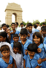 Kids at India Gate calling for more teachers, doctors and nurses - by Oxfam International
