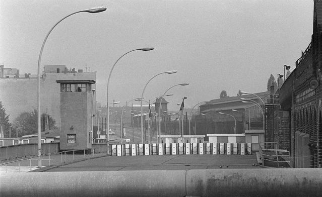 柏林墙倒塌照片10
