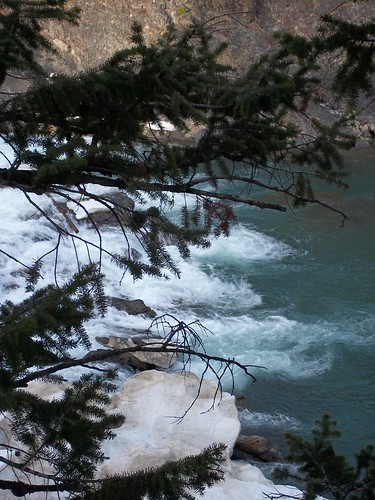 bow falls water