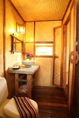 ฃฅฑ - Cottage Bathroom
