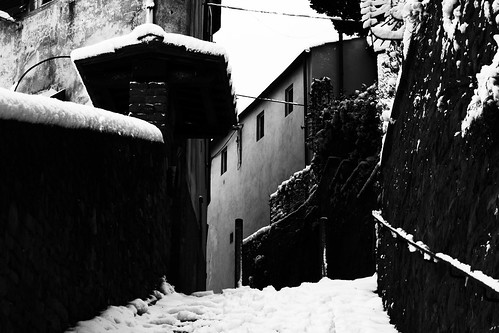 "Fiesole - Borgunto • <a style=""font-size:0.8em;"" href=""http://www.flickr.com/photos/49106436@N00/5117504388/"" target=""_blank"">View on Flickr</a>"