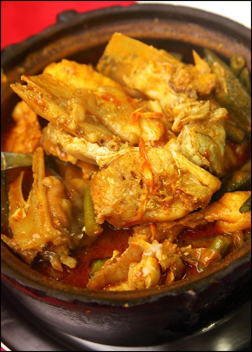 f4-fish-head-curry