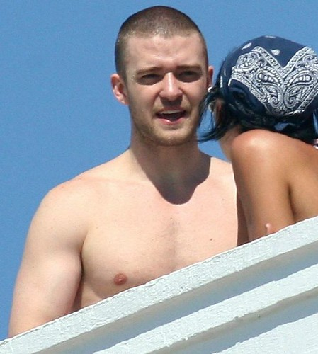 justin timberlake shirtless 2011. Justin timberlake shirtless