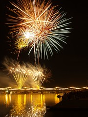 Golden Blaze (Videoal) Tags: arizona people night lights fireworks bridges townlake independenceday festivities tempe abigfave