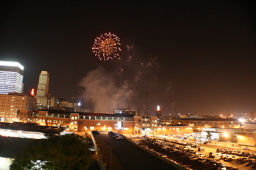 Downtown Memphis Fireworks by Lindsey Turner