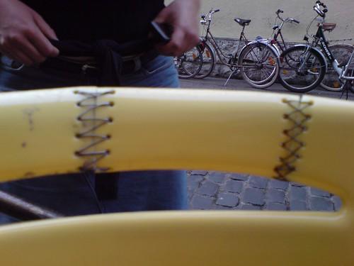 geflickte stühle @ kult