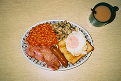 mid week full english (lomokev) Tags: food breakfast mushrooms bacon beans egg sausage contax friedegg agfa ultra fryup t2 agfaultra contaxt2 fullenglish breaky friedbread hideawaycafe file:name=unknown