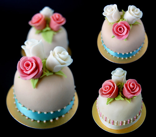 Miniature Rose Cakes