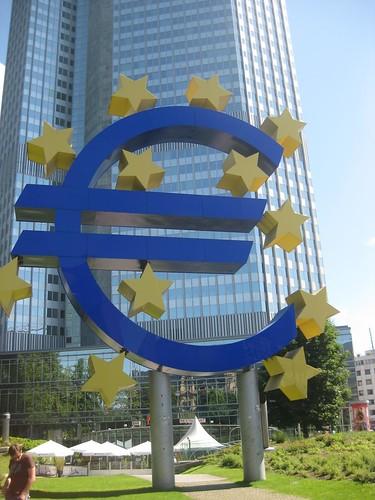 Giant Euro