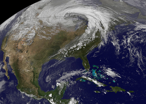 Strong Extratropical Cyclone Over the US Midwest
