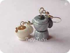 Coffee Break earrings, fimo polymer clay (*Merylu*  PetiteFraise) Tags: white cute cup silver handicraft drink handmade metallic craft jewelry bijoux jewellery fimo clay earrings coffe polymer orecchini coffepot pearled petitefraise merylu