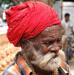 Volto Indiano con Turbante Rosso (collage42) Tags: street people india ritratti soe volti turbante anziani estremit flickrestrellas flickraward platinumpeaceaward rememberthatmomentlevel4 rememberthatmomentlevel1 magicmomentsinyourlifelevel2 magicmomentsinyourlifelevel1 rememberthatmomentlevel2 rememberthatmomentlevel3 magicmomentsinyourlifelevel3 magicmomentsinyourlifelevel4 rememberthatmomentlevel7 rememberthatmomentlevel9 rememberthatmomentlevel5 rememberthatmomentlevel6 rememberthatmomentlevel8 rememberthatmomentlevel10