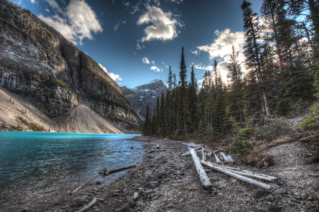 Moraine Lake on a crisp fall day.
