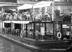 P1010313 (oxpride85) Tags: paris monuments bateauxmouches laseine