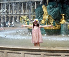 Happiness! (John Rohan) Tags: paris fountain girl placedelaconcorde
