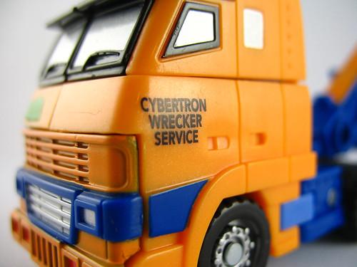 Botcon 2007 Huffer (alt mode close-up)