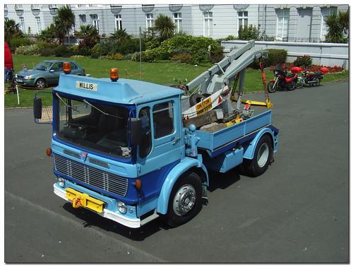 Smart little tow truck