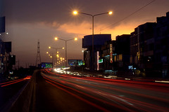 Lahore at Night (Max Loxton) Tags: pakistan sunset night lights pakistani ppg lahore yasirnisar pakistaniphotographers maxloxton atof