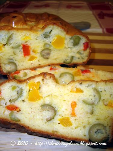 Cake alle olive e peperoni 2
