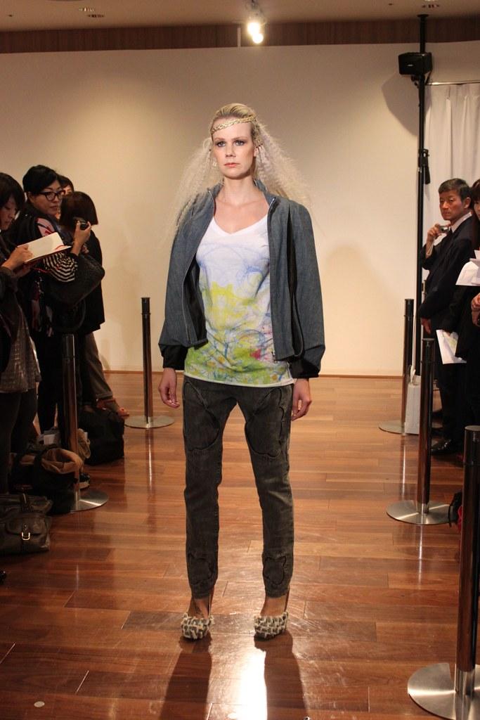 """Naoshi Sawayanagi Collection """"Japan Fashion Week in TOKYO 2010″ (14)"""