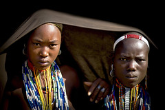 Erbore Girls - Ethiopia (Steven Goethals) Tags: travel portrait people face canon eos decoration culture tribal adventure peoples explore human valley 7d tribes omovalley tradition ethiopia tribe ethnic tribo visage ethnology tribu omo eastafrica etiopia ethiopie blackskin arbore ethnique ethiopi erbore goethals weyto africadelest stevengoethals