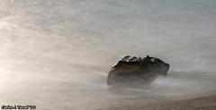 Baada por la luz (Carlos J. Teruel) Tags: longexposure espaa atardecer mar nikon murcia cartagena roca 2010 portman d300 105mm qdd nikkor105mmf28gvrmicro xaviersam leebigstopper fotoencuentrosdelsureste