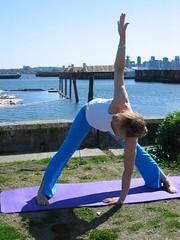 Twist (darmorrow) Tags: yoga harbourside