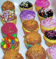 Cupcakes are fun to make. (OrangeCounty_Girl) Tags: life california food usa cute green yellow america photography cupcakes photo yummy flickr yum purple unitedstates photos kodak random sweet pics chocolate picture pic holly panasonic alimento e